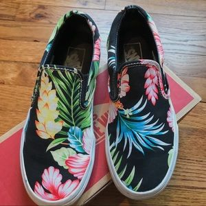 Black Hawaiian Floral Slip-On Vans   Size 7